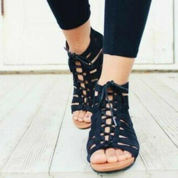 New Balance Shoes - Cobb Hill Gabby Gladiator Black Sandals 7